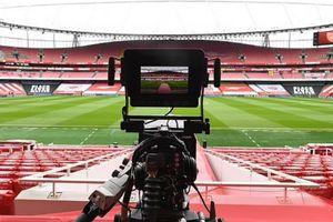 Premier League kiếm 4,5 tỷ Bảng từ bản quyền truyền hình