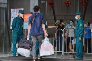 Lịch trình di chuyển phức tạp của hai vợ chồng nhiễm SARS-CoV-2 mới ở Hà Nội