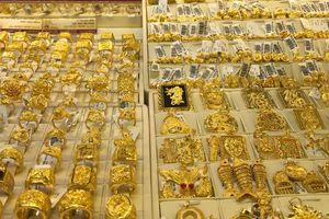Giá vàng quay đầu giảm 130.000 - 170.000 đồng/lượng