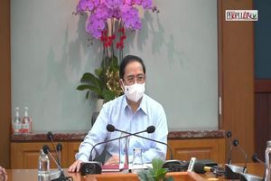 Thủ tướng kiểm tra phòng chống dịch tại 2 bệnh viện