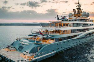 Du thuyền khổng lồ giá 500 triệu USD của Jeff Bezos