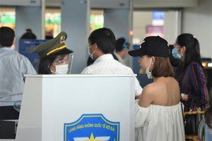 Cục Hàng không yêu cầu hoàn trả phí sân bay nếu khách hủy vé