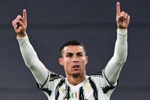 Ronaldo lập kỷ lục ghi bàn khó tin