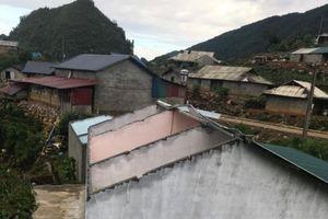 Mưa lốc làm sập, tốc mái gần 100 nhà dân ở Lai Châu