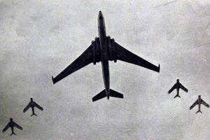 Máy bay ném bom M-4 Liên Xô từng khiến Mỹ khiếp sợ ra sao?