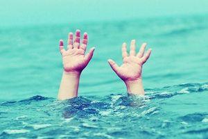 Rủ nhau đi tắm sông, 2 nữ sinh lớp 7 đuối nước thương tâm