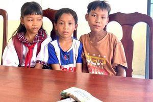 Ba học sinh nghèo nhờ công an trả lại 42 triệu đồng nhặt được