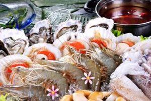 Chuyên gia cảnh báo- Hiểm họa khi ăn hải sản 'tắm' hóa chất tẩy trắng
