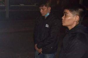 Hai nghi phạm liên quan vụ giết người ở chợ Nhị Tì ra đầu thú