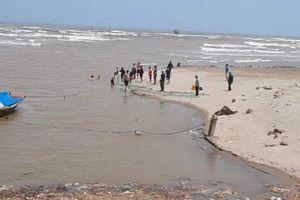 Vụ 3 học sinh lớp bị đuối nước mất tích: Cả 3 là học sinh nữ, đã tìm thấy thi thể 1 nạn nhân