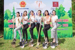 Hoa hậu Phương Khánh, Trúc Diễm giản dị đi trồng cây xanh