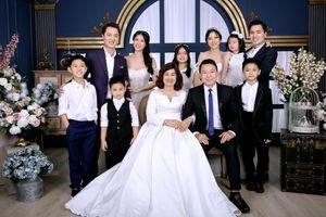 Vợ chồng Đăng Khôi chụp ảnh cưới ôn lại kỉ niệm xưa
