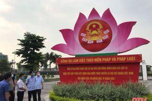 Trưởng ban Tuyên giáo Tỉnh ủy Đào Xuân Yên kiểm tra công tác tuyên truyền bầu cử tại TP Thanh Hóa và huyện Đông Sơn