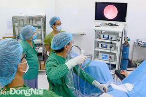 Trung tâm Y tế huyện Nhơn Trạch: Lần đầu triển khai tán sỏi nội soi ngược dòng bằng laser