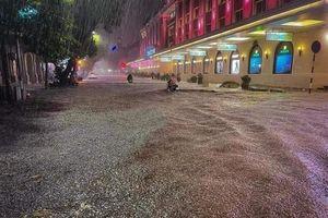 Chiều nay Hà Nội mưa dông, có thể xảy ra lốc sét và mưa đá