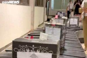 Nhân viên gửi nhiều kiện hàng ghi 'Bộ trưởng Bộ GTVT' bị thôi việc