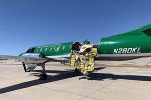 Mỹ: Máy bay gần như đứt đôi sau cú va chạm giữa không trung