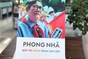 Ra mắt hồi ký tác giả bài hát 'Ai yêu Bác Hồ Chí Minh hơn thiếu niên nhi đồng'
