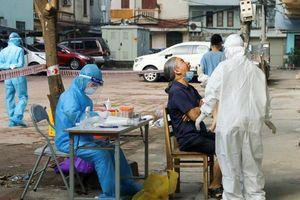 Hà Nội: Vợ bác sĩ Bệnh viện Phổi dương tính với SARS-CoV-2