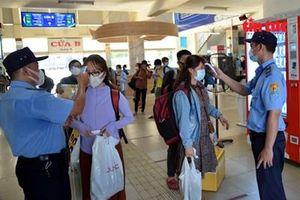 Từ 0 giờ ngày 15/5, TP HCM tạm dừng các tuyến xe khách đến vùng có dịch