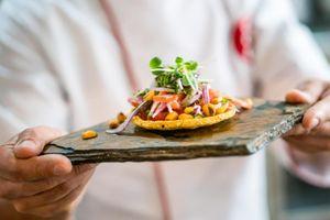 Lý do các nhà hàng lớn phục vụ phần ăn nhỏ