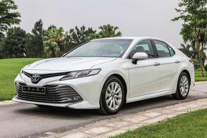 Xe 4 chỗ thương hiệu Nhật, tôi nên mua Toyota Camry hay Honda Accord?
