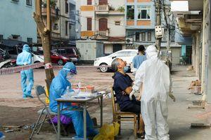 Hà Nội: Phong tỏa ngõ 140 Nguyễn Xiển, lấy 48 mẫu xét nghiệm liên quan bệnh nhân Covid-19