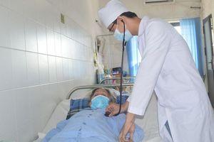 Cứu sống bệnh nhân 78 tuổi ngưng tim, hôn mê