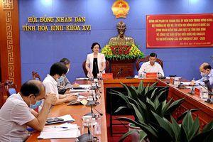Đồng chí Phạm Thị Thanh Trà kiểm tra công tác chuẩn bị cho bầu cử tại tỉnh Hòa Bình