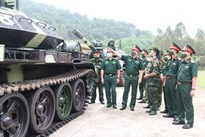 Quân khu 1 tiếp nhận xe tăng T54B cải tiến