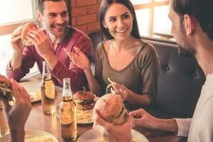 Những thói quen ăn uống làm tăng cholesterol 'xấu' bạn cần tránh