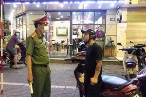 Tuyên Quang kiên quyết xử phạt các trường hợp không đeo khẩu trang nơi công cộng