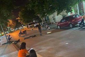Quảng Ninh: xe máy 'Đầm ba' tông vào cột điện cao áp khiến 3 người thương vong
