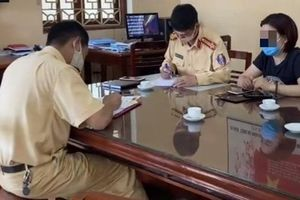Nữ tài xế lùi xe trên cao tốc Hà Nội- Thái Nguyên bị xử phạt