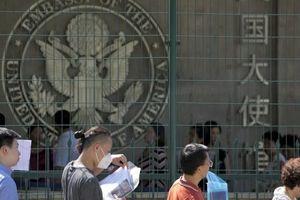 Mỹ từ chối cấp visa cho du học sinh Trung Quốc vì có bố là… cảnh sát
