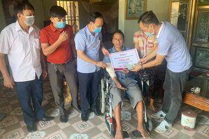 'Cảm ơn bạn đọc VietNamNet đã giúp tôi có chiếc xe lăn tự lái'