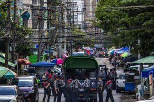 Myanmar thiết quân luật sau khi đồn cảnh sát, ngân hàng bị tấn công