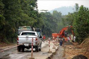 Chấn chỉnh việc bảo trì đường bộ yếu kém ở Bắc Giang