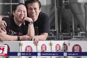 Nghệ nhân bia đầu tiên và trẻ nhất tại Singapore