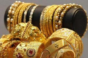 Giá vàng thế giới tăng nhẹ, vàng đang hấp dẫn hơn USD