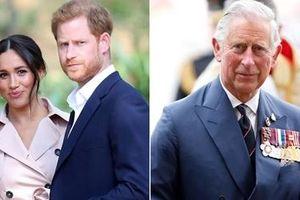 Hoàng tử Harry lại 'công kích' Thái tử Charles và Hoàng gia Anh