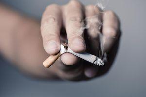 'Hãy từ bỏ thuốc lá vì sức khỏe của người thân yêu'