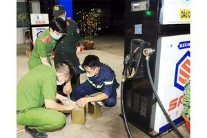 Đấu tranh quyết liệt, ngăn chặn buôn lậu xăng dầu giả
