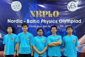 Bốn học sinh Hà Nội đoạt huy chương Olympic vật lý Bắc Âu - Baltic
