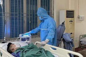 Bệnh viện dã chiến mổ ruột thừa cho công dân F1