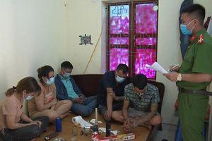 Bắt quả tang nhóm đối tượng tổ chức sử dụng trái phép chất ma túy.