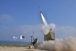 Israel bị tấn công tên lửa sau cảnh báo cứng rắn chưa từng có từ Iran
