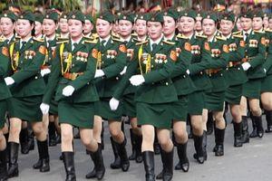 Sáng tác và triển lãm ảnh 'Tự hào Phụ nữ Quân đội'