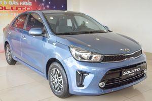 Gia đình 3 người nên mua Mitsubishi Attrage hay Kia Soluto?