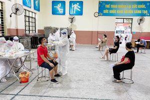 Quận Đống Đa: Xét nghiệm Covid-19 cho khoảng 500 người về từ Đà Nẵng
